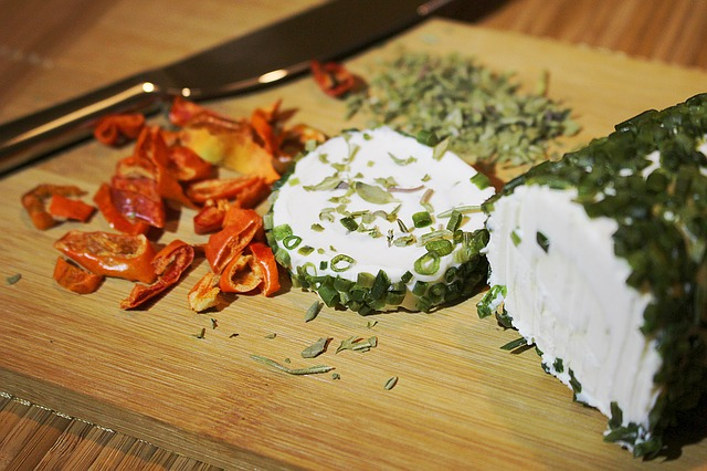 sýr se zeleninou