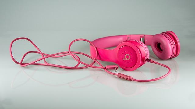 růžová sluchátka